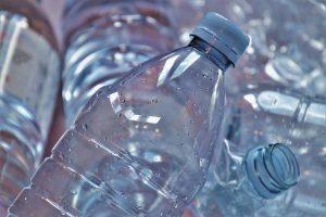 Material amb que es fa el RPET (plàstic reciclat)